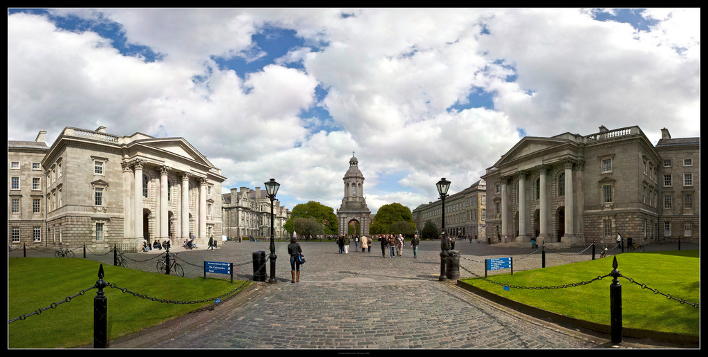 Panoramafoto des Trinity College, Dublin.
