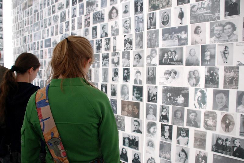 Mémorial de la Shoa, Paris - Foto einer Studierendengruppe der Pennsylvania State University