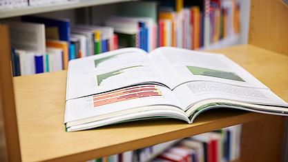 Zeitschriften und Bücher